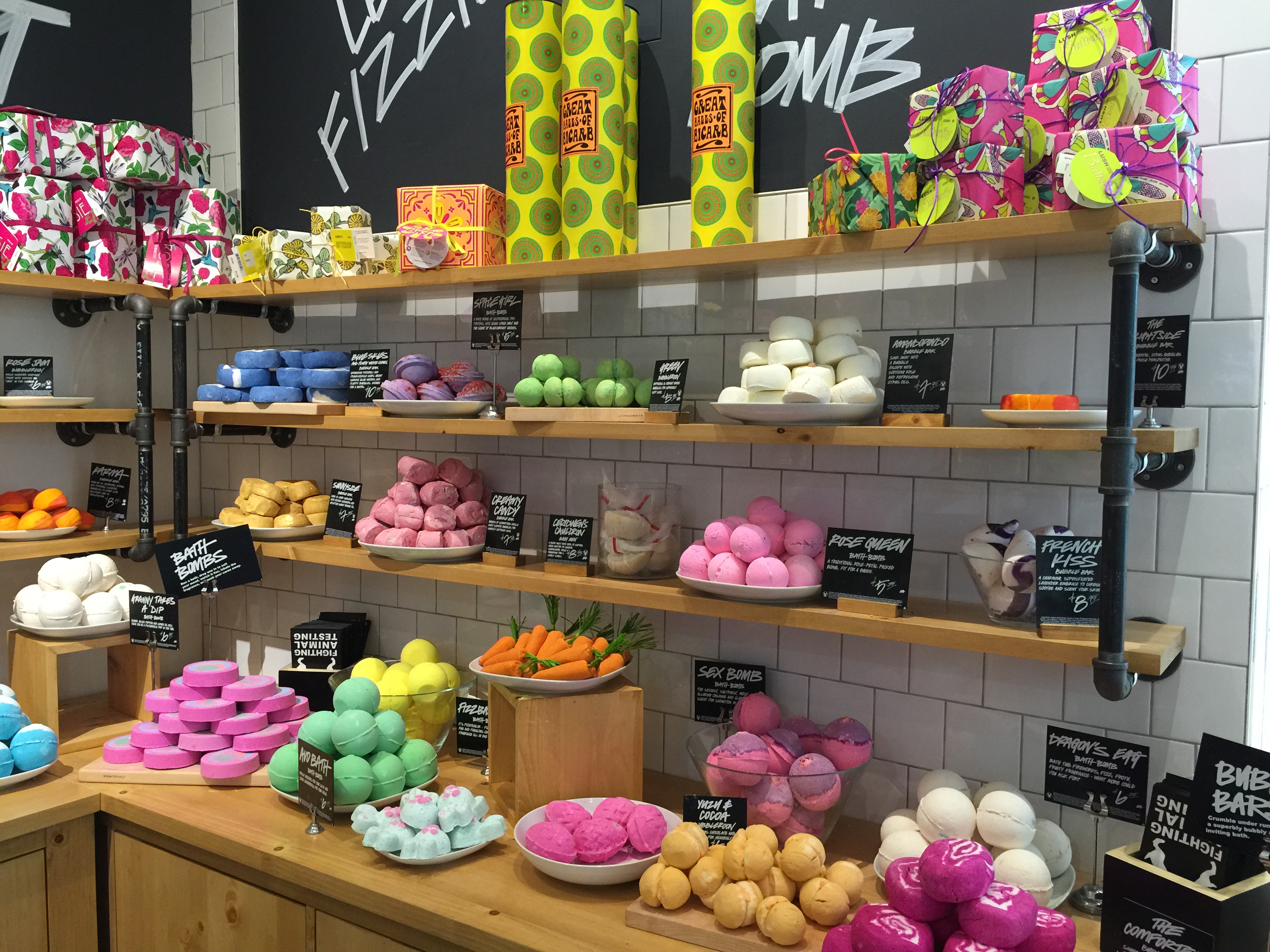 LUSH Fresh Handmade Cosmetics - 14 Photos & 15 Reviews