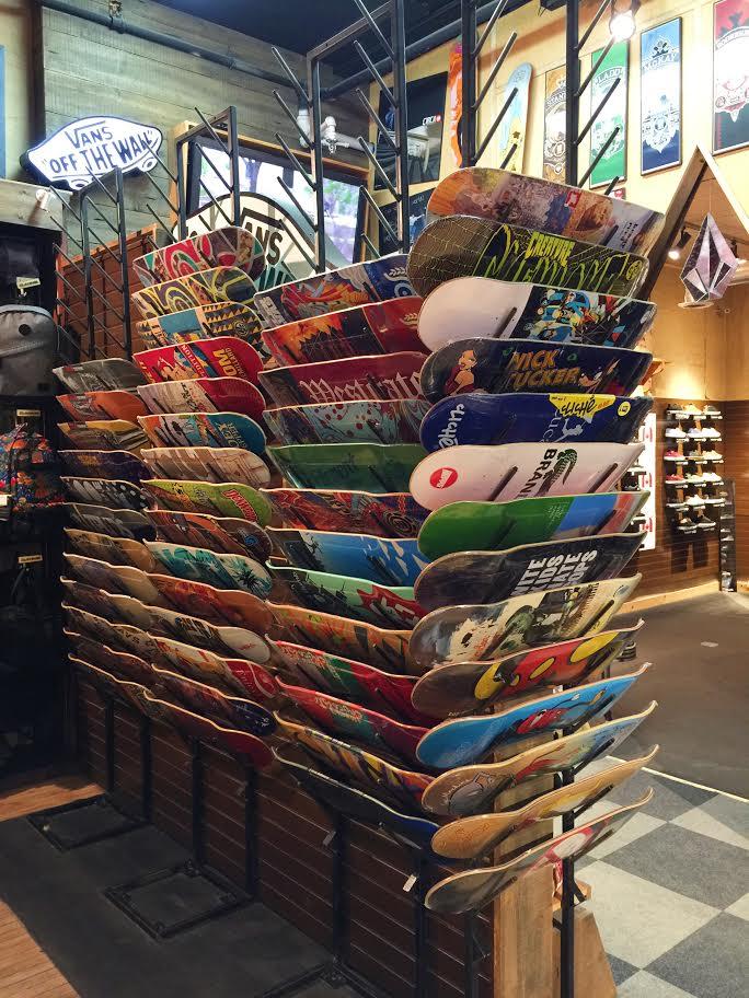 Top of the World Skate Shop Ottawa YOW City Style Style Domination Fashion Blogger Skateboard Decks Trucks