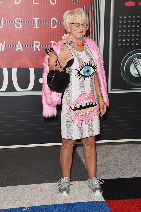 Baddie Winkle VMAs 2015 Miley Cyrus Nicki Minaj Style Domination Fashion Blogger