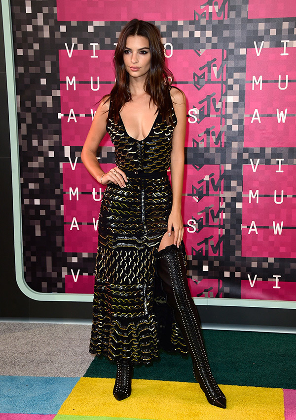 Emily Ratajkowski VMAs 2015 Miley Cyrus Nicki Minaj Style Domination Fashion Blogger