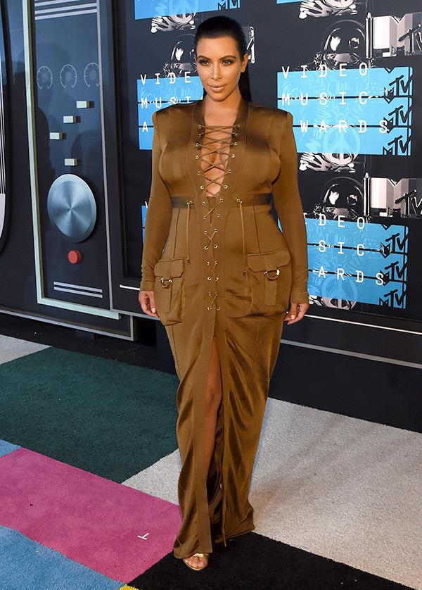Kim Kardashian VMAs 2015 Miley Cyrus Nicki Minaj Style Domination Fashion Blogger