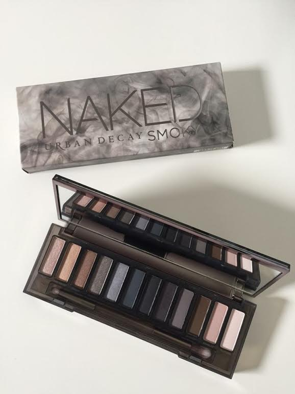Smoky Eye Editorial Urban Decay Naked Smoky Palette Style Domination Fashion and Beauty Blogger