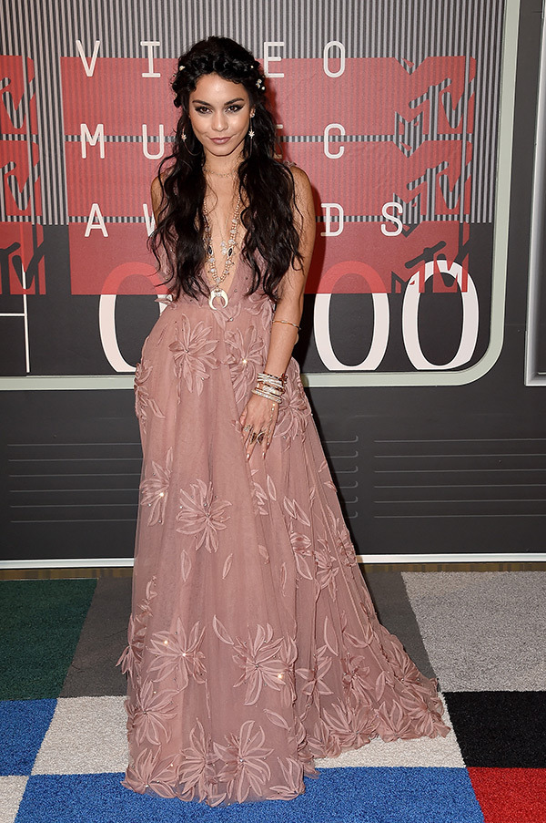 Vanessa Hudgens VMAs 2015 Miley Cyrus Nicki Minaj Style Domination Fashion Blogger