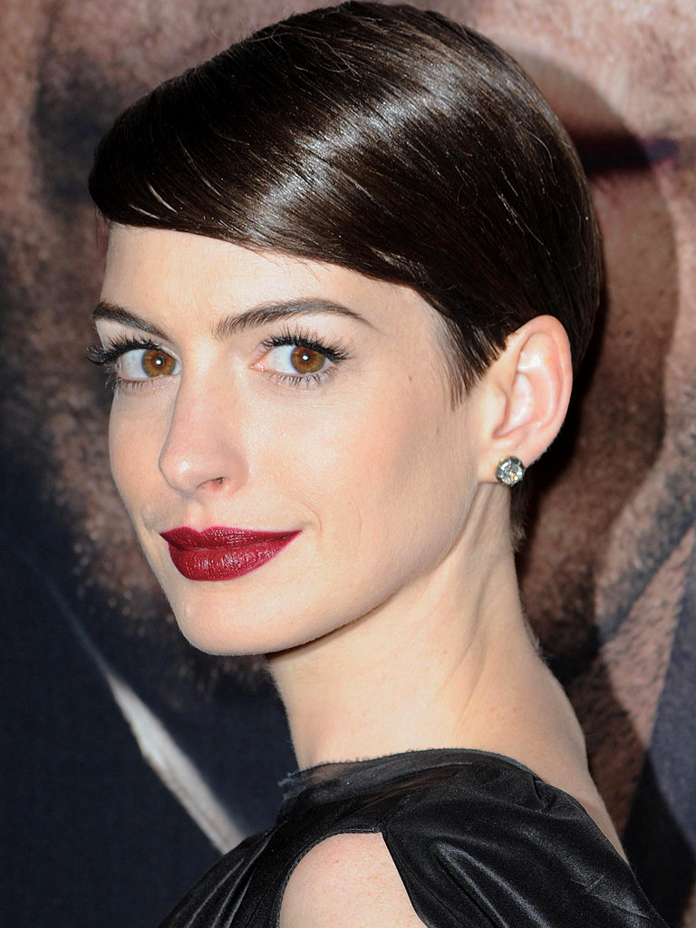 Anne Hathaway Red Lips Ottawa Blogger Style Domination Red Lipstick for Beginners