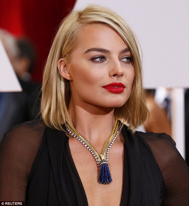 Margot Robbie Red Lips Ottawa Blogger Style Domination Red Lipstick for Beginners