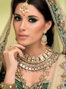 #FeatureFriday: Karla Santos-Piedro, demitart Makeup Instruction