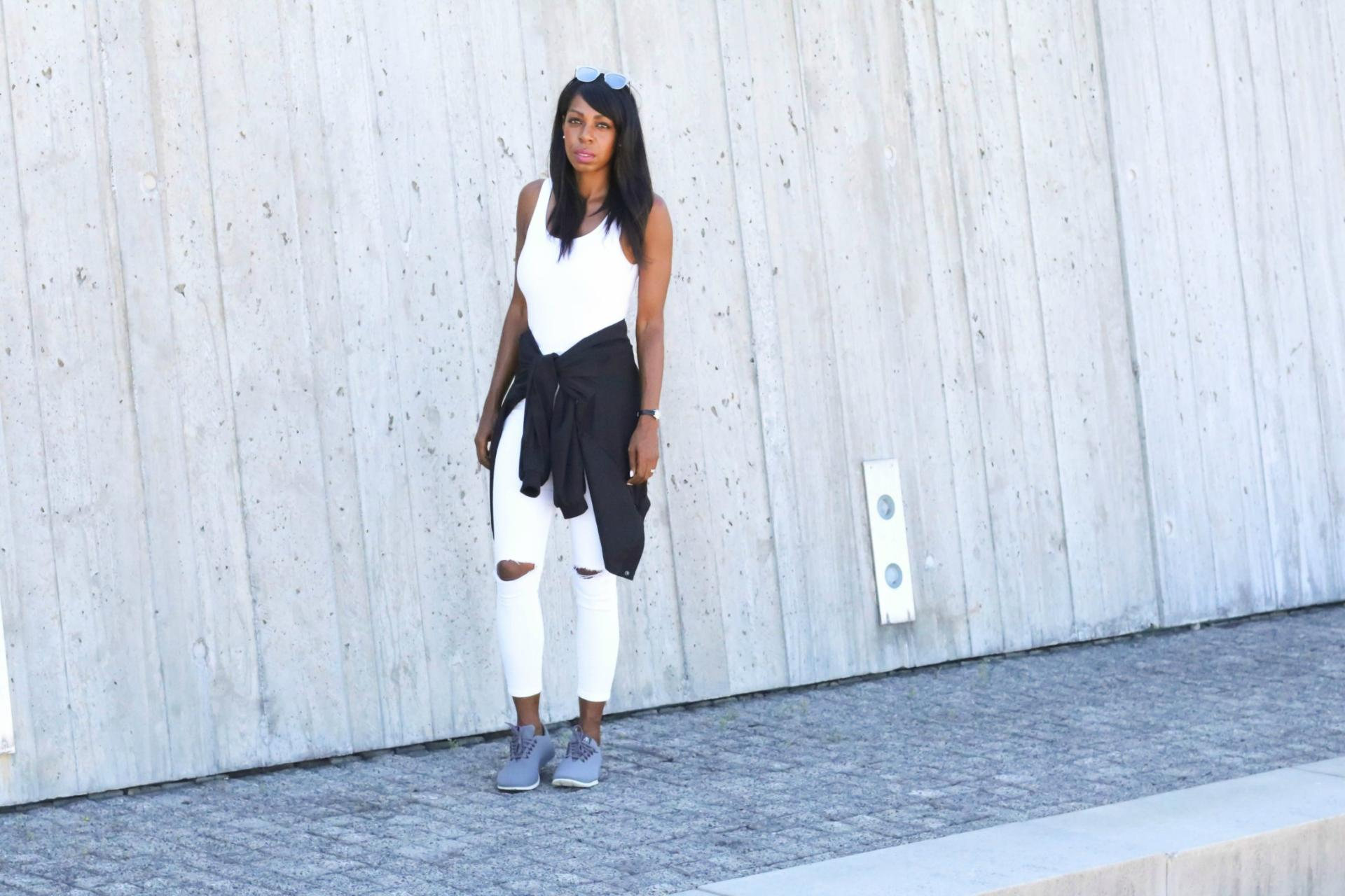 Casual Chic Confidence - Murex | www.styledomination.com