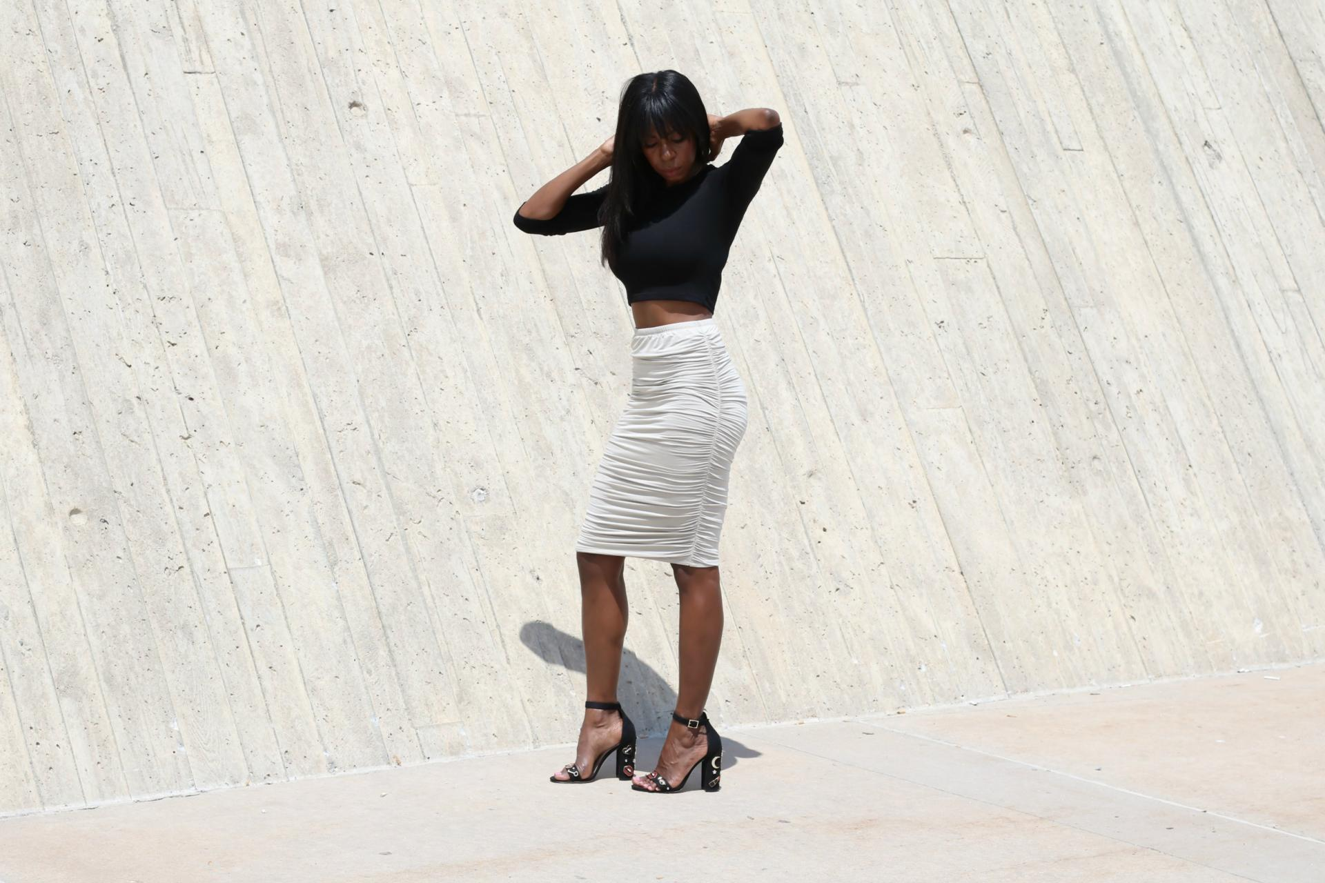 724 High-Waisted Skirt