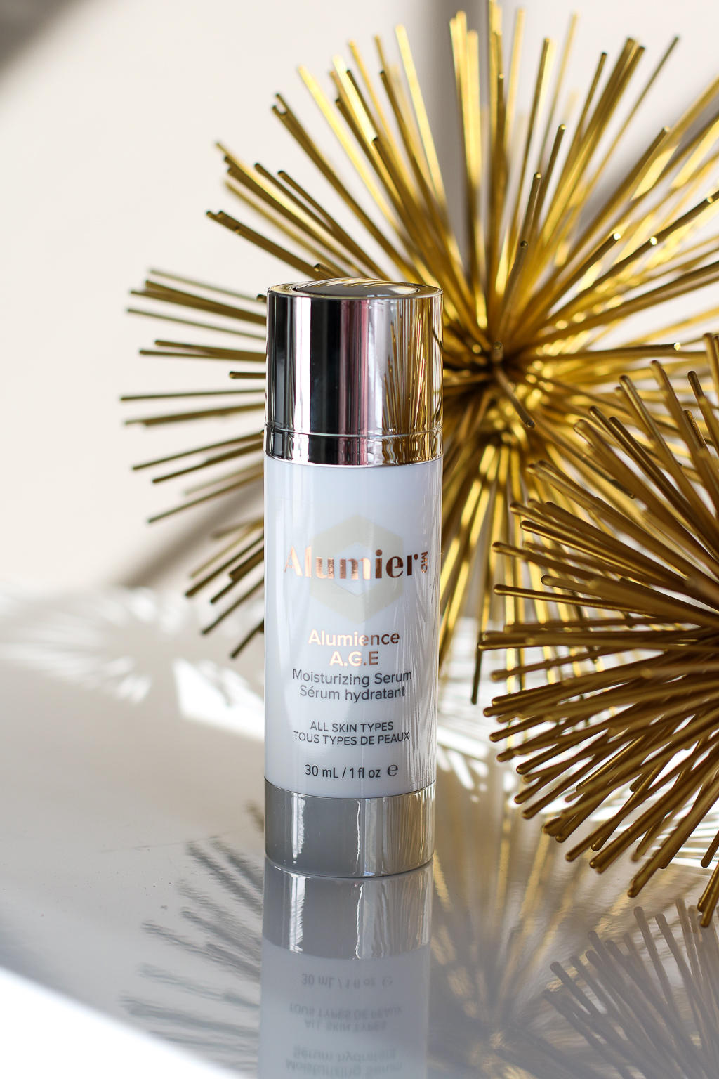 Need help picking a great serum? AlumierMD's Alumience A.G.E is a great product for all skin types!
