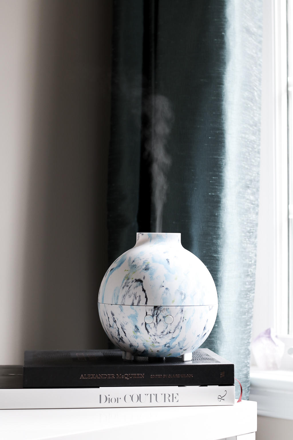 Saje Wellness' AromaArt Diffuser is a beautiful way to add a relaxing atmosphere to your home!