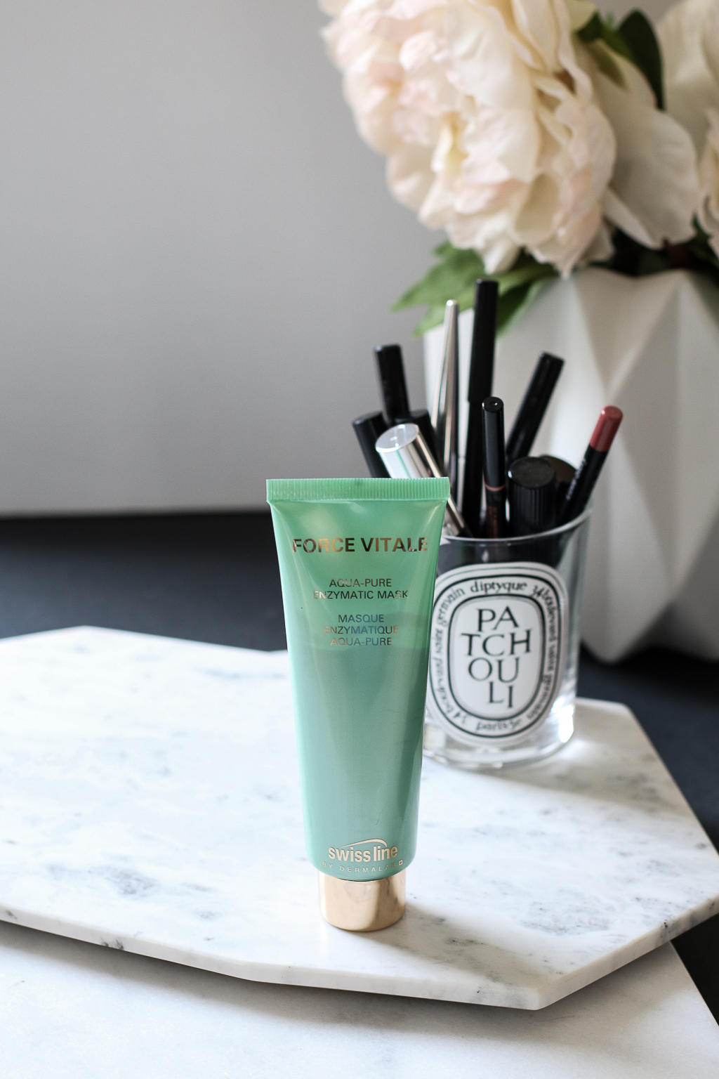 Swiss Line Products Are Amazing. Read on to find out why you should try this Swiss skincare brand!