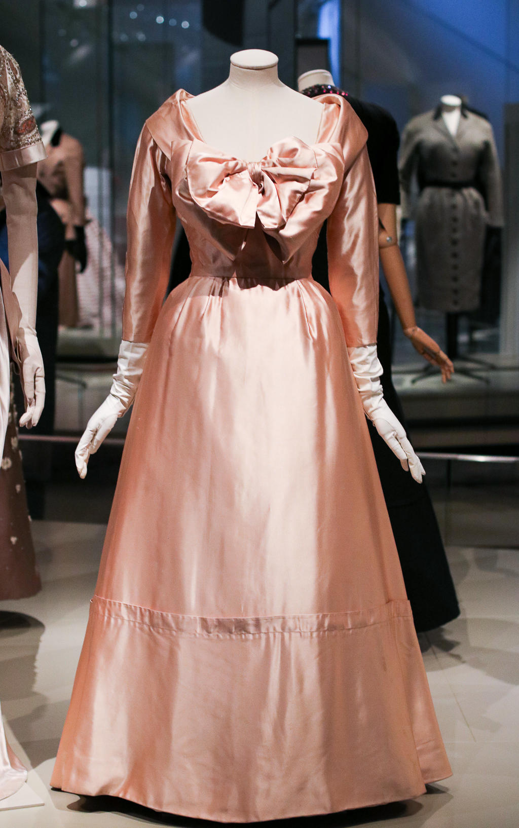 I was invited to view the Christian Dior Exhibit Presented by Holt Renfrew at the ROM - Here is my experience   Style Domination