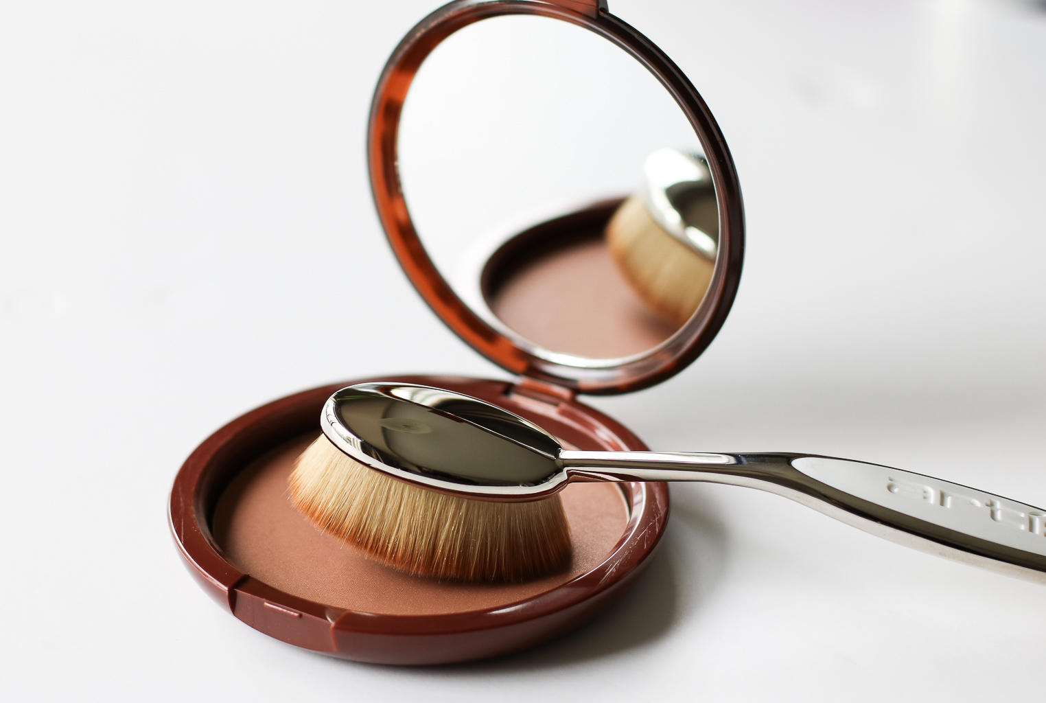 How To Get Flawless, Airbrushed Skin: Artis Brush Review | Style Domination by Dominique Baker