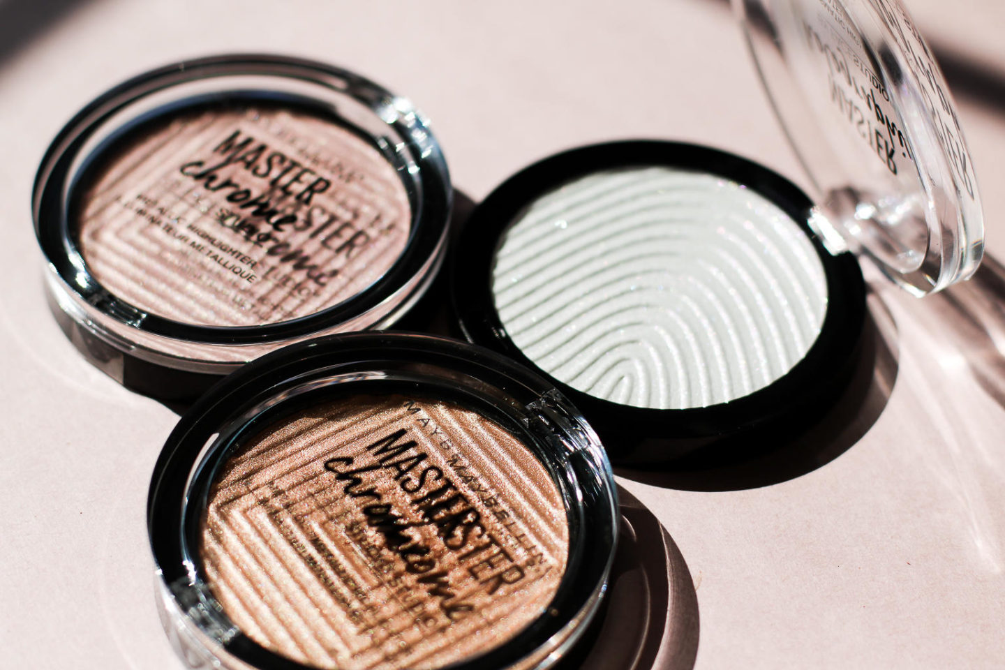 I Tried The Maybelline Master Chrome Metallic Highlighters And I'm Loving The Shine