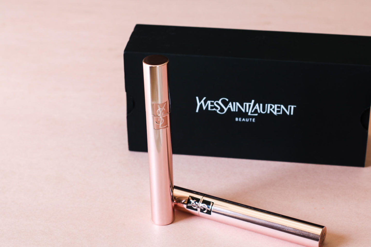 Want That False Lash Effect? Try This Mascara Now –   Yves Saint Laurent The Curler